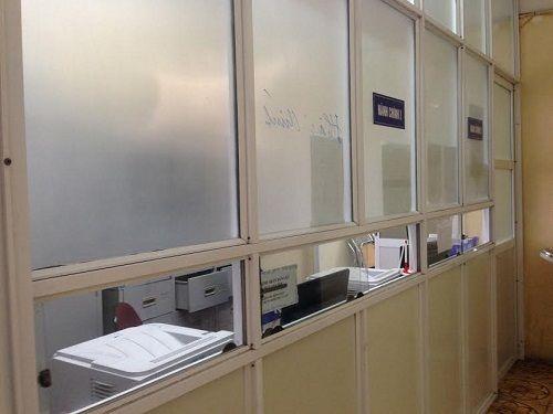 Các bệnh viện Hà Nội vắng vẻ vào ngày làm việc đầu năm - Ảnh 4