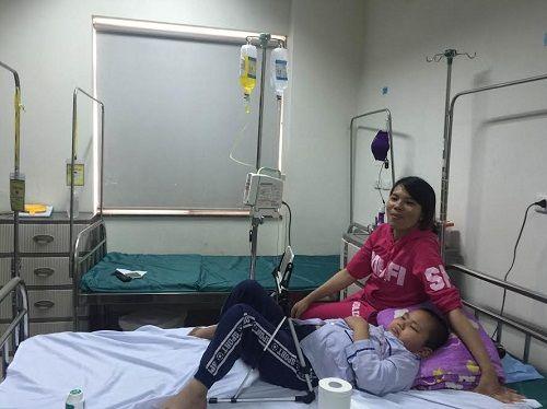 Các bệnh viện Hà Nội vắng vẻ vào ngày làm việc đầu năm - Ảnh 14