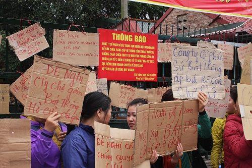 Ảnh: Hàng trăm tiểu thương chợ Gốm phản đối Hapro Bát Tràng đóng chợ - Ảnh 4