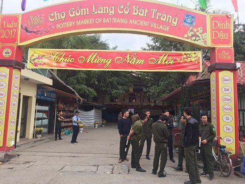 Ảnh: Hàng trăm tiểu thương chợ Gốm phản đối Hapro Bát Tràng đóng chợ - Ảnh 12