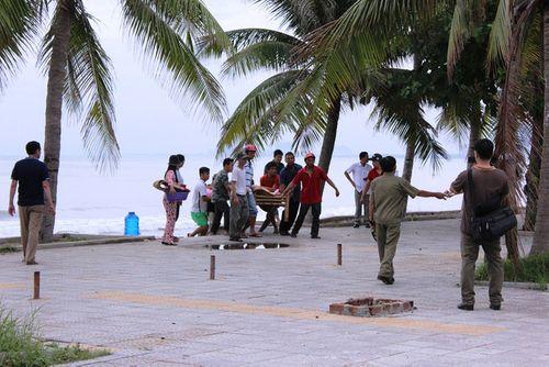 Đà Nẵng: Nhân viên bảo vệ bãi tắm chết bất thường gần miệng cống - Ảnh 2