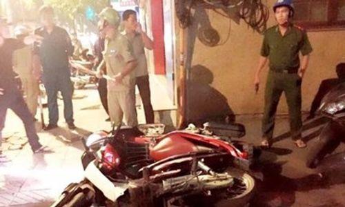 Cảnh sát nổ súng khống chế 'ma men' hỗn chiến ở Sài Gòn - Ảnh 1