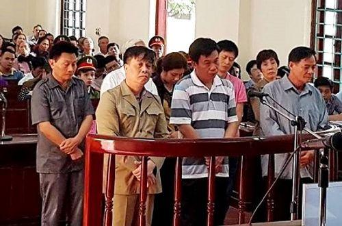 """Lập trang trại """"ma"""" hàng loạt cựu quan chức TP Vĩnh Yên hầu tòa - Ảnh 1"""
