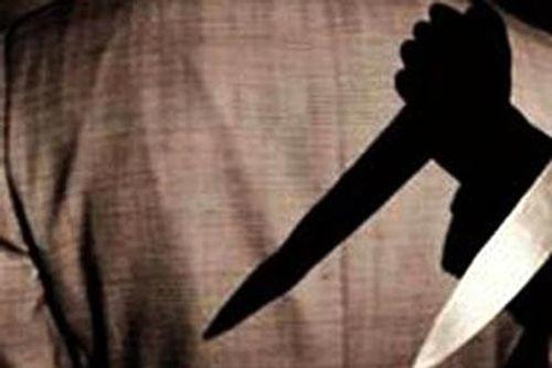 Hung thủ rút dao đâm người trong quán Internet ra đầu thú - Ảnh 1