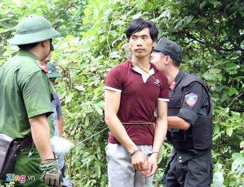 Vụ giết 4 người ở Lào Cai: Đưa nghi phạm đi thực nghiệm hiện trường - Ảnh 1