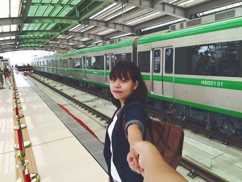 Chùm ảnh: Người dân háo hức tham quan nhà ga đường sắt La Khê - Ảnh 9