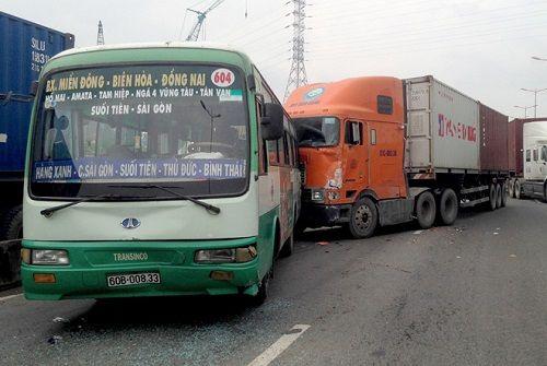 Tin tai nạn giao thông mới nhất ngày 20/1/2018 - Ảnh 2