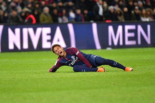 Clip: Neymar ôm mặt, lăn lộn trên sân vì chấn thương nặng - Ảnh 1