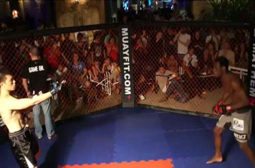 Clip: Chỉ mất 24 giây để võ sĩ MMA hạ gục cao thủ Vịnh Xuân - Ảnh 1