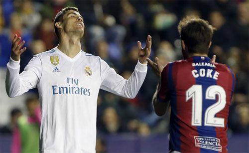 Clip: Levante 2-2 Real Madrid: Thủng lưới cuối trận, Real mất điểm đáng tiếc - Ảnh 2