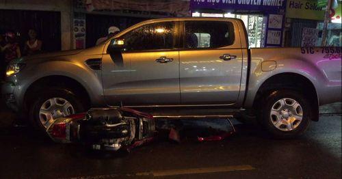 Gây tai nạn, 2 thanh niên phóng xe tháo chạy - Ảnh 1