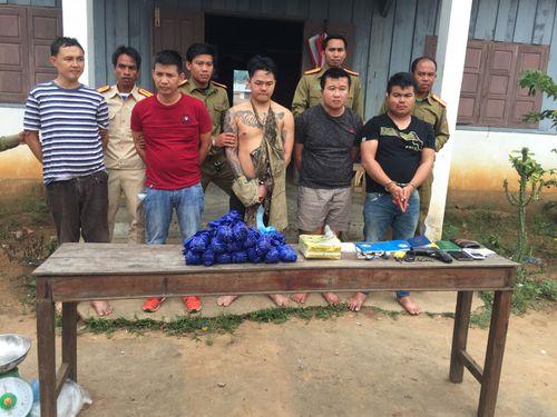 """5 đối tượng người Lào đặc biệt nguy hiểm """"thủ"""" súng đi buôn ma túy - Ảnh 1"""