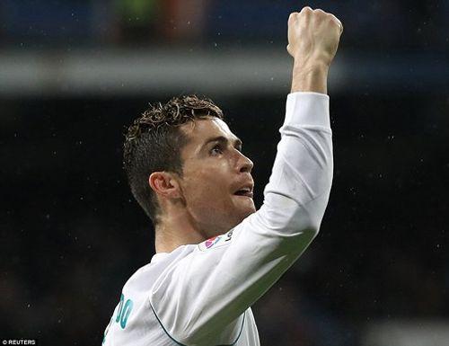 Clip Real 3-1 Getafe: Ronaldo thiết lập cột mốc 300 - Ảnh 1