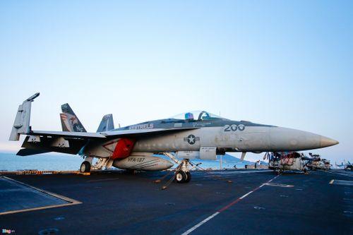 Cận cảnh tàu sân bay USS Carl Vinson tại Đà Nẵng - Ảnh 6