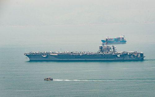 Cận cảnh tàu sân bay USS Carl Vinson tại Đà Nẵng - Ảnh 9