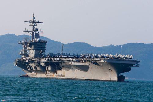 Cận cảnh tàu sân bay USS Carl Vinson tại Đà Nẵng - Ảnh 3