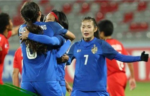 Tuyển nữ Thái Lan nhận 14 tỉ tiền thưởng sau tấm vé dự World Cup 2019 - Ảnh 1