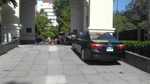 Từ nay (3/10), Thứ trưởng Bộ Tài chính tự lái xe hoặc đi taxi đi làm - Ảnh 1