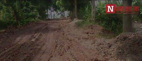 Chấn động: Xuất hiện 'đoàn xe ma' chở bùn độc 'bức tử' sông Hồng - Ảnh 1
