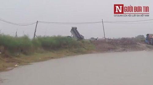 Chấn động: Xuất hiện 'đoàn xe ma' chở bùn độc 'bức tử' sông Hồng - Ảnh 2