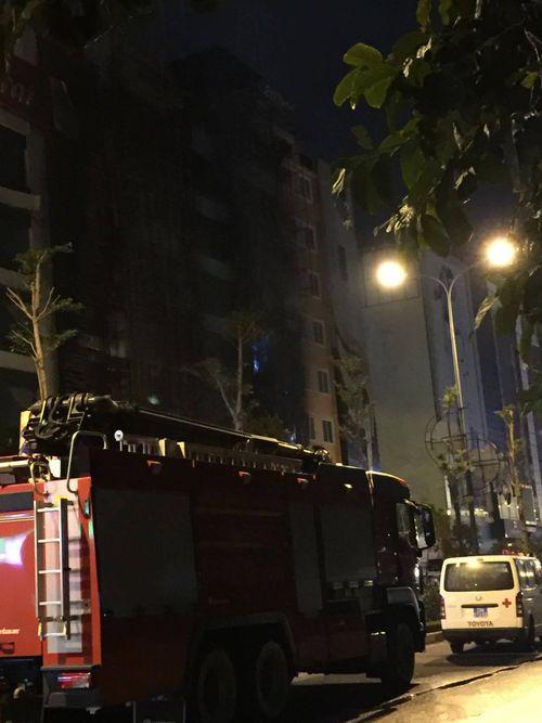 Vụ cháy quán karaoke ở Trần Thái Tông: 12 người tử vong - Ảnh 6