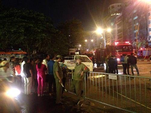 Vụ cháy quán karaoke ở Trần Thái Tông: 12 người tử vong - Ảnh 7