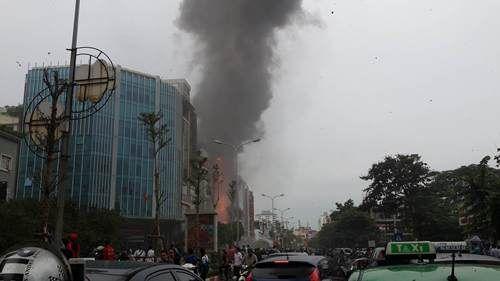 Cháy lớn tại quán karaoke 68 Trần Thái Tông: Nghi có người mắc kẹt - Ảnh 5