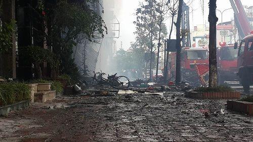 Cháy lớn tại quán karaoke 68 Trần Thái Tông: Nghi có người mắc kẹt - Ảnh 8