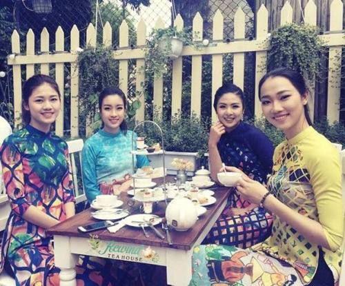 Quán Trà Anh siêu xinh hút loạt hoa hậu, hot girl và người nổi tiếng ở Hà Thành  - Ảnh 4