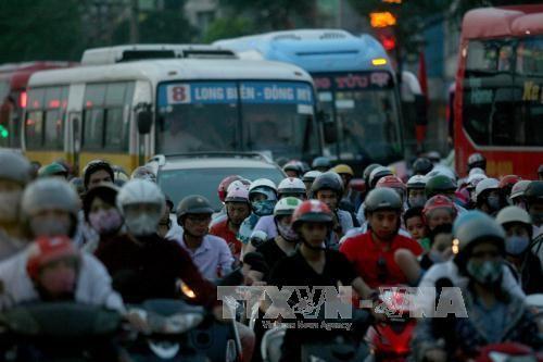 Cấm xe máy vào nội đô, khó vẫn phải làm - Ảnh 1