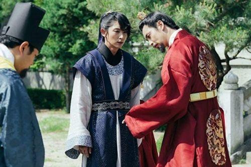 Người tình ánh trăng tập 14: Không phải IU, đây mới là người làm vợ Lee Jun Ki - Ảnh 1