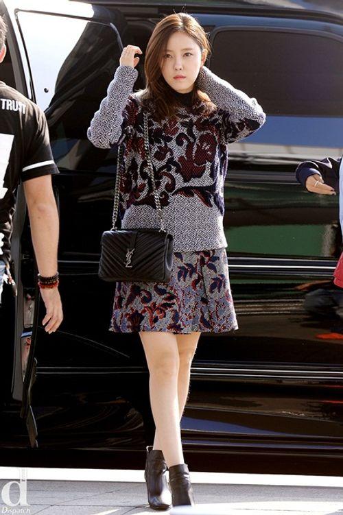 Áo len và váy ngắn - thời trang thu hoàn hảo của idol nữ xứ Hàn - Ảnh 5