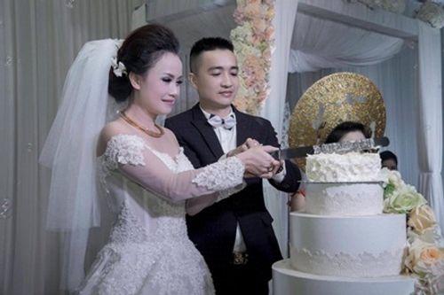 """Mỹ nhân """"lẳng lơ"""" nhất màn ảnh Việt cưới lần 4 với chú rể kém tuổi - Ảnh 2"""