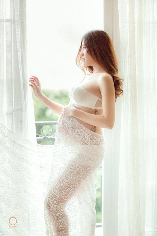 Cuộc sống cô đơn của hotgirl tài năng, xinh đẹp sau khi làm mẹ đơn thân - Ảnh 3