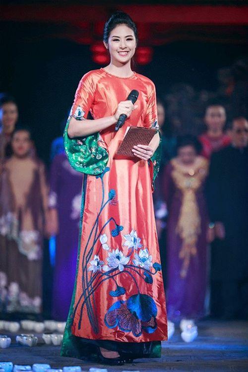 """Hành trình """"vượt xấu"""" đầy cô độc ít biết của một Hoa hậu Việt Nam - Ảnh 2"""