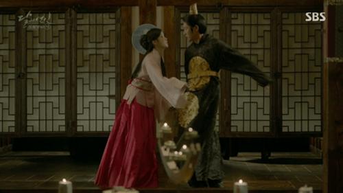 Người tình ánh trăng tập 19: IU kết hôn với em trai Lee Jun Ki, Seohyun tự vẫn - Ảnh 5