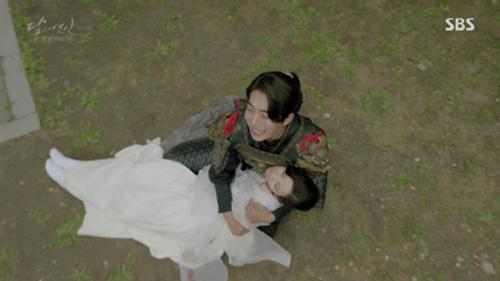 Người tình ánh trăng tập 19: IU kết hôn với em trai Lee Jun Ki, Seohyun tự vẫn - Ảnh 15