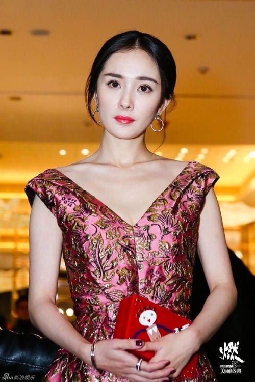 Mặc tin đồn ngoại tình - ly hôn, Dương Mịch vẫn khẳng định tin tưởng Lưu Khải Uy - Ảnh 1
