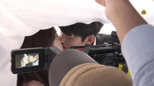 Ji Chang Wook tiết lộ về hình mẫu lý tưởng và nụ hôn với Yoona - Ảnh 3