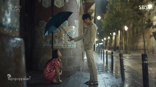 """Huyền thoại biển xanh tập 1: Lee Min Ho """"cạn lời"""" vì độ """"điên"""" của Jun Ji Hyun - Ảnh 17"""
