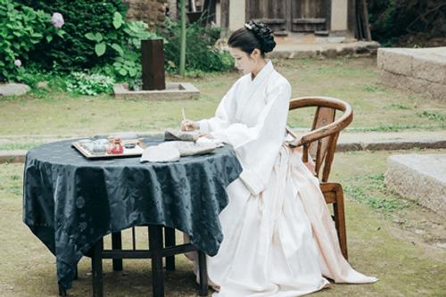 Người tình ánh trăng tập cuối: IU sinh con cho Lee Jun Ki, trở lại thời hiện đại - Ảnh 1