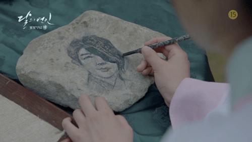 Người tình ánh trăng tập cuối: IU sinh con cho Lee Jun Ki, trở lại thời hiện đại - Ảnh 4