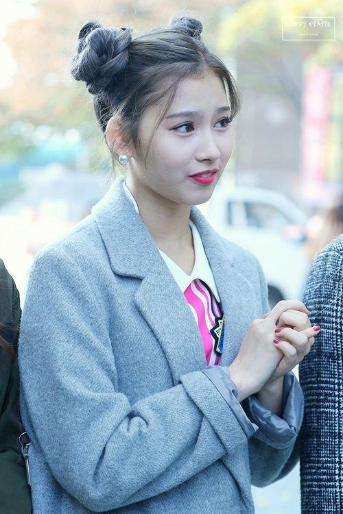 """Nữ idol xứ Hàn """"phát cuồng"""" với búi tóc """"Na Tra"""" - Ảnh 7"""