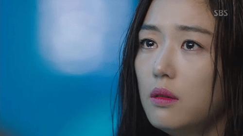 Huyền thoại biển xanh tập 3: Lee Min Ho mất ký ức sau nụ hôn với Jun Ji Hyun - Ảnh 8