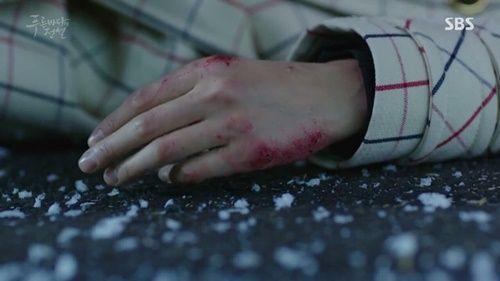 Huyền thoại biển xanh tập 5: Jun Ji Hyun cắn tình địch, gặp tai nạn lúc hẹn hò - Ảnh 16