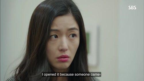 Huyền thoại biển xanh tập 5: Jun Ji Hyun cắn tình địch, gặp tai nạn lúc hẹn hò - Ảnh 1