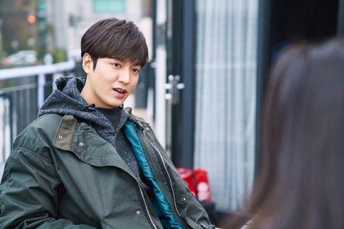Huyền thoại biển xanh tập 5: Jun Ji Hyun cắn tình địch, gặp tai nạn lúc hẹn hò - Ảnh 11