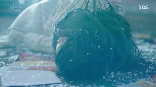 Huyền thoại biển xanh tập 5: Jun Ji Hyun cắn tình địch, gặp tai nạn lúc hẹn hò - Ảnh 15