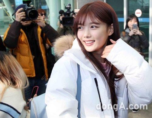 Taeyeon, Kim Yoo Jung đẹp tựa thiên thần tại sân bay đi dự MAMA 2016 - Ảnh 10