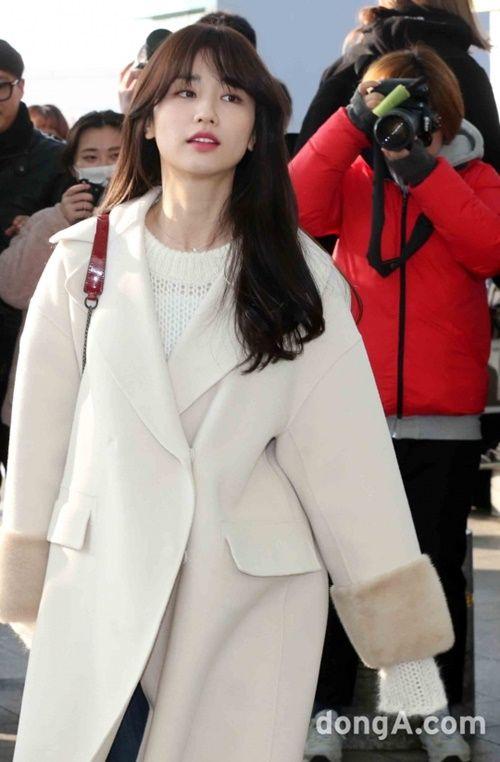 Taeyeon, Kim Yoo Jung đẹp tựa thiên thần tại sân bay đi dự MAMA 2016 - Ảnh 15